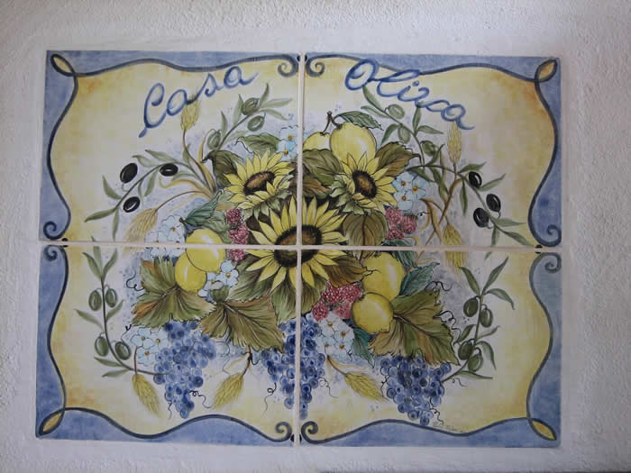 Studio oliva ceramics italian hand made maiolica tile for Custom mural tiles
